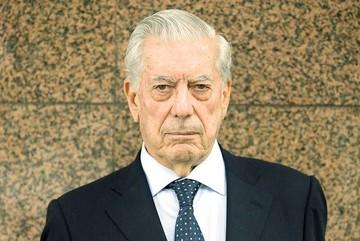 """Nombran """"Leyenda Viva""""  a Mario Vargas Llosa"""