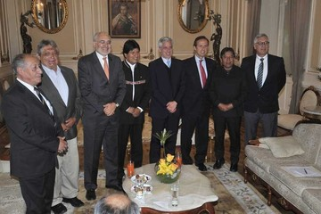 Ratifican a ex presidentes como voceros