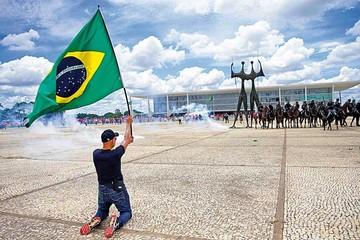 Lula ya es ministro de Rousseff pero recurso frena su gestión