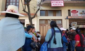 Comerciantes piden restitución de casetas de las afueras del Mercado El Morro