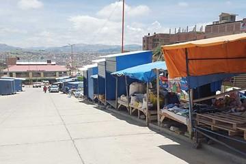 Comerciantes en casetas aceptan entrar a mercado
