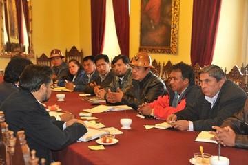 Central Obrera Boliviana anuncia que entregará pliego petitorio al Gobierno