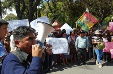 Comerciantes piden renuncia de Intendente, pero autoridades respaldan a Sanabria