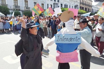 Vecinos y comerciantes presionan a la Alcaldía