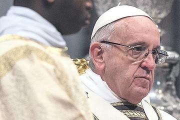 El Papa arremete contra proveedores de armas