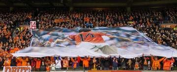 Rinden tributo a Cruyff