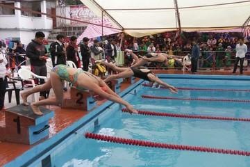 La natación une al país