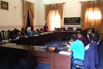 Asamblea conforma comisión especial para seleccionar postulantes a vocales electorales