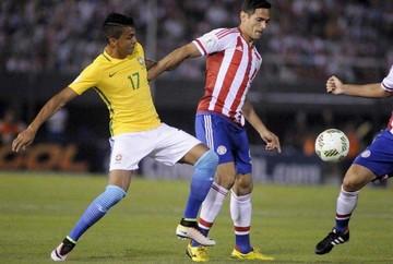 Brasil rescata un empate