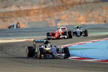 Hamilton partirá en la primera fila del GP de Baréin