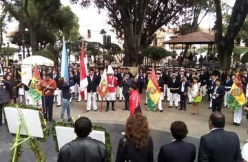 Sucre: Encuentro de Colegios Decanos de Bolivia reúne a unos 350 estudiantes, maestros y padres