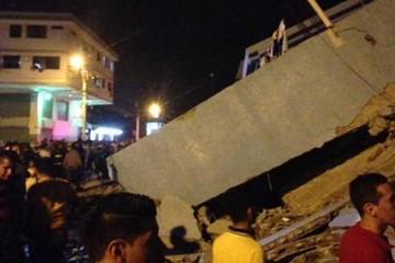 Terremoto de 7,8 grados Richter golpea a Ecuador
