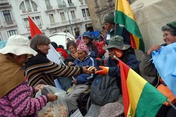 Discapacitados avanzan y Gobierno descalifica marcha