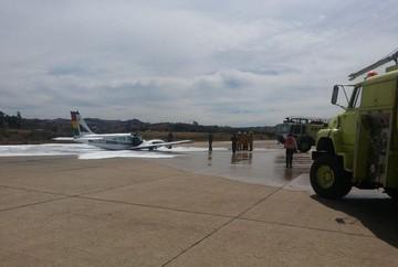 Avioneta de la FAB sufre percance antes de despegar del aeropuerto Juana Azurduy