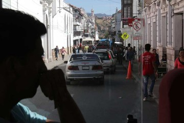 Atasco vehicular desespera alrededor del Gran Mariscal