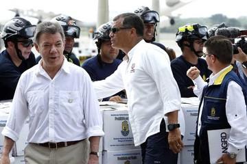 Santos y Correa recorren zona afectada por sismo