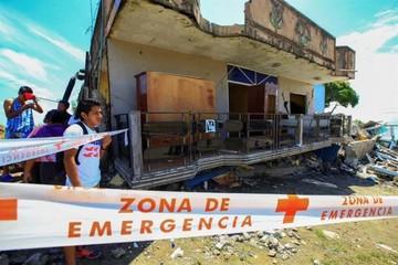 Elevan a 660 el número de muertos por el terremoto en Ecuador