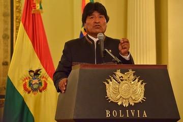 Morales promulgará paquete de normas y marchará en el Día del Trabajo
