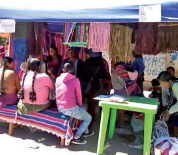 Más de 30 clubes de madres exponen trabajo artesanal