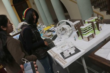 Los universitarios muestran su creatividad en maquetas
