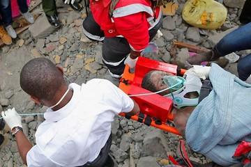 Kenia: Rescatan a cuatro sobrevivientes de derrumbe