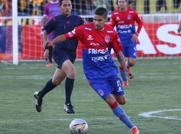 Universitario suma un punto frente a San José en Oruro