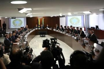 Primera reunión de Gabinete de Temer incluye tres investigados por Petrobras