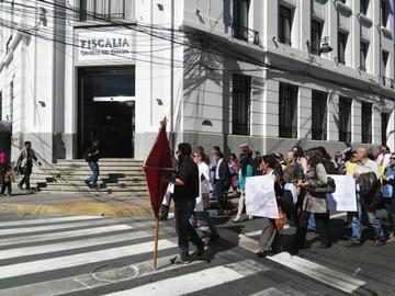 Abogados protestan por detenciones y piden respeto a su trabajo
