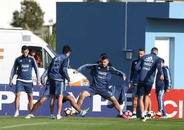 Argentina despide  a sus jugadores en cotejo amistoso