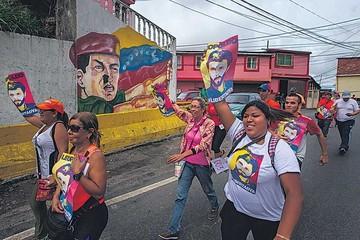 Venezuela: Chavismo y oposición discrepan por validez de firmas
