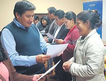 Alfabetización: Entregan certificados a facilitadores