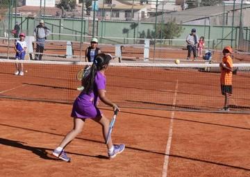 Concluye torneo de tenis