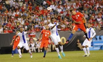 Chile gana y avanza a los cuartos de final