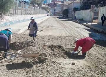 Reinician el pavimentado del ingreso a La Madona