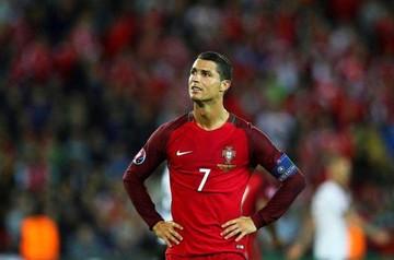 Ronaldo falla  y Portugal sufre