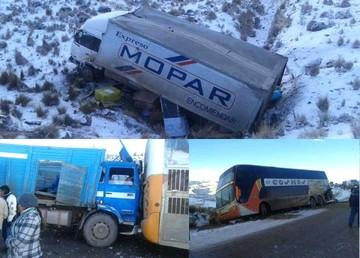 Reportan heridos y múltiple colisión en carretera Oruro-Cochabamba