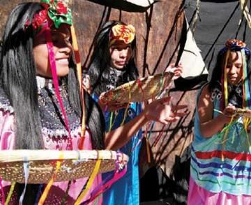 Exponen tradiciones de la cultura Tapiete