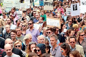 """Miles de personas marchan contra el """"Brexit"""" en Londres"""
