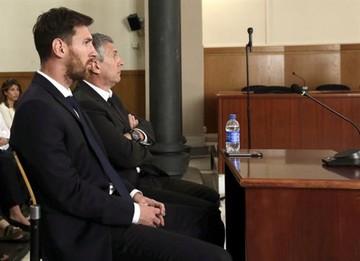 Messi y su padre son sentenciados a un año y nueve meses de cárcel