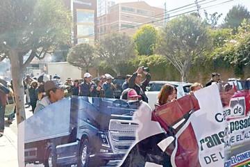 Comisión de transportistas viaja a Arica