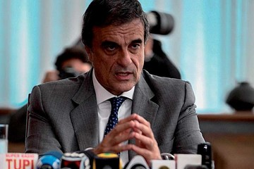 "Rousseff mantiene tesis de un ""golpe de estado"""