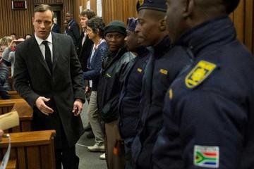 Reducen condena  de Pistorius a seis años de prisión