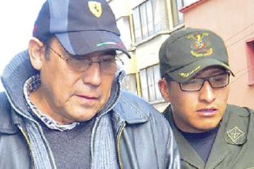 Denuncia por obras militares salpica a otro ex comandante