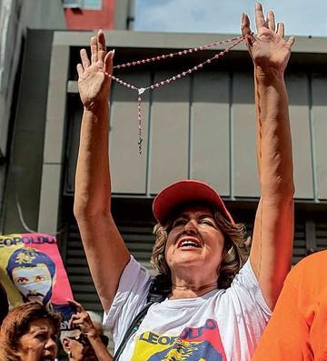 Suspenden audiencia de Leopoldo López