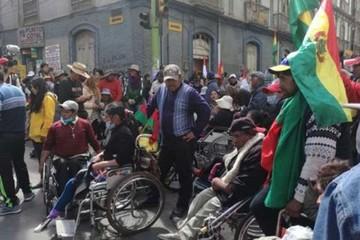 Gobierno está dispuesto a recibir a discapacitados