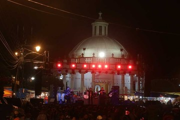 Las Alasitas prometen traer fortuna a la Capital