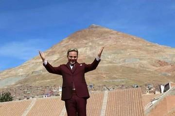 Mira a Cristian Castro bailando cueca y tinku en la Casa de la Moneda en Potosí