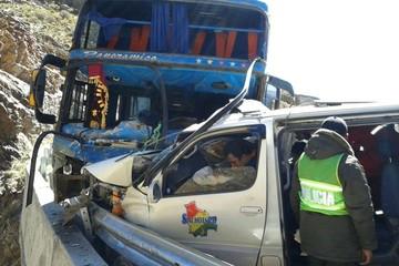 Accidente de tránsito en Potosí deja dos muertos y seis heridos