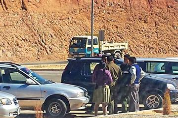 Pasajeros se quejan por restricciones en Alcantarí