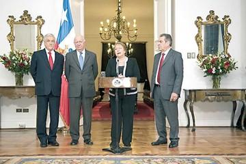 Tres ex presidentes chilenos rechazan pedido de diálogo